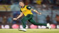 दक्षिण अफ्रीका के तेज गेंदबाज डेल स्टेन अगले  6  महीने क्रिकेट से दूर