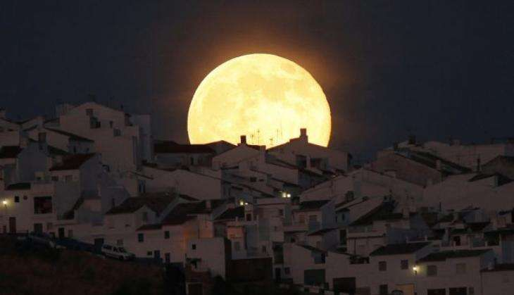 In photos: Best images of the super bright, super close 'Supermoon'