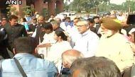 नोटबंदी: ममता बनर्जी की अगुवाई में राष्ट्रपति भवन तक विपक्ष का विरोध मार्च