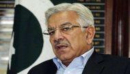 पाकिस्तान के रक्षा मंत्री बोले- 'भारत और पाक में कभी भी छिड़ सकती है जंग'