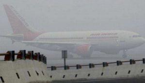 घने कोहरे की चपेट में उत्तर भारत, दिल्ली में सर्दी की दस्तक, कई उड़ानें प्रभावित
