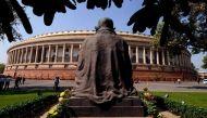 नोटबंदीः शोरगुल और स्थगन के बीच संसद में अटके ज़रूरी बिल