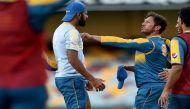 अभ्यास के दौरान पाक क्रिकेटर वहाब रियाज और यासिर शाह में भिड़ंत