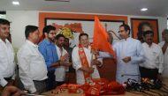 चुनाव के पहले का दांव: शिवसेना ने मुम्बई में गुजरातियों के लिए बिछाई कालीन