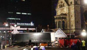 जर्मनी: बर्लिन के क्रिसमस बाज़ार में ट्रक दौड़ाया, 12 की मौत