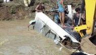 यूपी: सीतापुर में नहर में गिरी बस, 8 मुसाफिरों की मौत