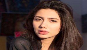 बॅालीवुड के खिलाफ पाकिस्तानी कलाकार माहिरा खान ने दिया बयान, वीडियो वायरल...