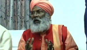 EC issues notice to Sakshi Maharaj for violation of Model Code of Conduct