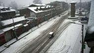 Snowfall in Srinagar affects life across Valley;  Srinagar-Jammu highway remain closed for third day