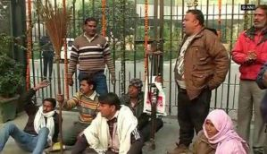 Delhi: Sanitation workers continue strike for eighth day outside EDMC demanding pending salary