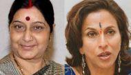 शोभा डे ने साधा सुषमा स्वराज पर निशाना, ट्वीट पर दी ट्वीट न करने की सलाह