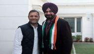 कांग्रेसी 'पंजे' से पंजाब चुनाव में बैटिंग करेंगे नवजोत सिंह सिद्धू