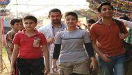 'दंगल गर्ल' के लिए अखाड़े में उतरे आमिर- 'मैं बताना चाहता हूं हम सब आपके साथ हैं'