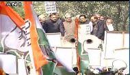नोटबंदी: दिल्ली से मुंबई तक कांग्रेस का हल्ला बोल, अहमदाबाद में सुशील शिंदे गिरफ़्तार