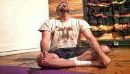स्पेशल योगा क्लास: गांजे और प्राणायाम का दिलचस्प मेल है ये योग