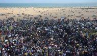 जलीकट्टू पर जंग: राज्य सरकार लाएगी अध्यादेश, सुप्रीम कोर्ट आदेश रोकने पर तैयार