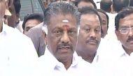 तमिलनाडु सीएम पनीरसेल्वम नहीं कर सके जल्लीकट्टू का उद्घाटन, विरोध के चलते जाना पड़ा वापस