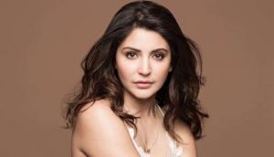 Check out Anushka Sharma's 'hair game'