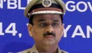 IB अधिकारी क्या कर रहे थे छुट्टी पर भेजे गए CBI डायरेक्टर आलोक वर्मा के घर के बाहर !