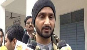 Cricketer Harbhajan Singh casts his vote, calls on Punjab to vote free of 'external pressure'