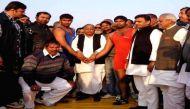 यूपी के चुनावी दंगल में पल-पल दांव बदलते 'नेताजी', मुलायम के 5 यू-टर्न