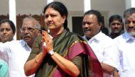 तमिलनाडु: शशिकला का रक्तहीन तख्तापलट
