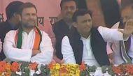 मेरठ रैली में अखिलेश के साथ बोले राहुलः देश में एक तरह का कंपनी राज ला रहे पीएम मोदी