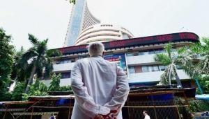 भारतीय बाजार में खलबली, 1200 अंकों की गिरावट के साथ खुला सेंसेक्स