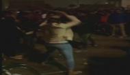 देखिए दिलेरी का वीडियो: लखनऊ की 'मर्दानी' ने जब मजनुओं पर चलाई लाठी