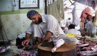 यूपी में मीट कारोबारियों का हल्ला बोल,लखनऊ में 5 हज़ार दुकानों के गिरे शटर