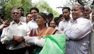As note exchange deadline passes, helpless people in RBI queue blame govt