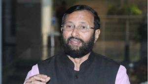 Prakash Javadekar condemns attack on Arnab Goswami