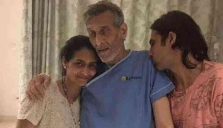 B-town celebs mourn passing away of Vinod Khanna