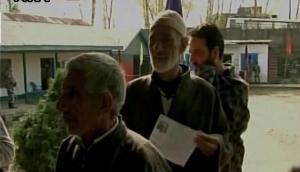 श्रीनगर समेत देश के 9 राज्यों में उपचुनाव के दौरान हिंसक घटनाएं, पांच की मौत, तमाम घायल