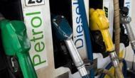'पेट्रोल में एक पैसे की कटौती, मैंने फैसला किया है कि एफडी अकाउंट खोलकर इसे बैंक में जमा करा दूं'