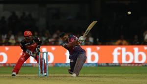 IPL 10: चौका मारकर धोनी ने बनाया अनहोनी को होनी, हैदराबाद को 6 विकेट से हराया