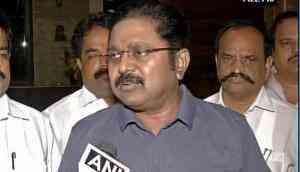 More trouble for Sasikala: Now Delhi Police summons Dinakaran