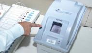 VVPAT मशीन से निकल गया सांप, मतदान केंद्र में मच गई खलबली
