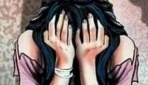 रेप पीड़िता की शिकायत पर कार्रवाई के बदले पुलिस वाले ने की सेक्स की डिमांड