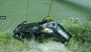 हिमाचल प्रदेश: लारजी डैम में डूबी कार, ज़िंदा बचा कार सवार