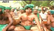 जंतर-मंतर पर बैठे तमिलनाडु के किसानों का एलान, पेशाब पीकर जताएंगे विरोध