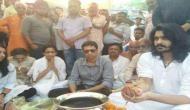 अलविदा विनोद खन्ना...अस्थियां हुर्इं गंगा में विसर्जित