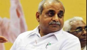 गुजरात: विजय रूपाणी सरकार पर मडंराया संकट, डिप्टी सीएम नितिन पटेल दे सकते हैं इस्तीफा