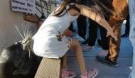 जब 'समुद्री शेर' ने लड़की को जबड़े में जकड़ लिया, वीडियो हुआ वायरल