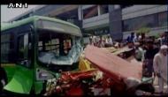 DTC बस ने ई-रिक्शा को कुचला, 2 की मौत