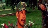 'लोगों की जान बचाने के लिए कश्मीरी युवक को जीप में बांधा'