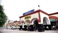 अलीगढ़ में तनाव: दो समुदायों के बीच पथराव और फायरिंग