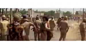 YSR Congress workers clash with Police in Andhra Pradesh's Mylavaram town