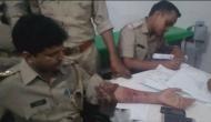 यूपी: कोतवाली में घुसकर SI को भाजपा नेता ने पीटा, वर्दी फाड़ी