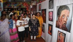 एसिड अटैक फाइटर्स के दर्द को कैनवास पर उकेर रही मैथिली
